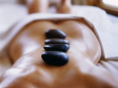 hotstone-massage-la-joie